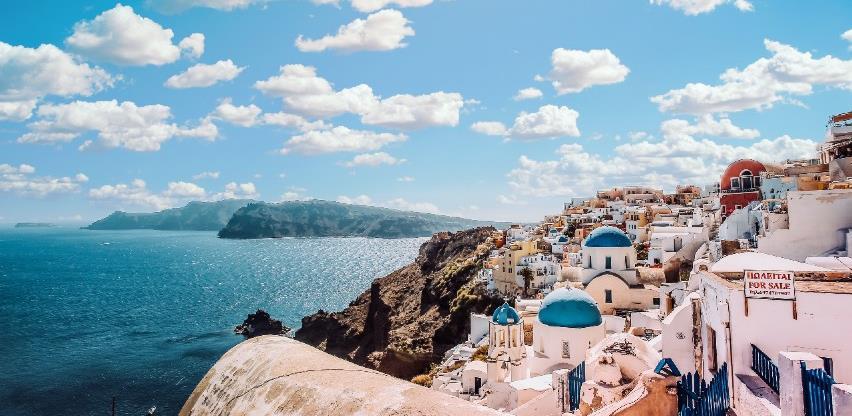 Grčka želi obnoviti putovanja, predlaže zajedničku potvrdu cijepljenja u EU