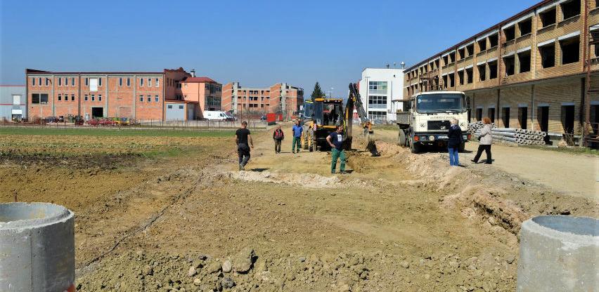 U toku pripremni radovi za postavljanje instalacija u poslovnoj zoni Ozrakovići