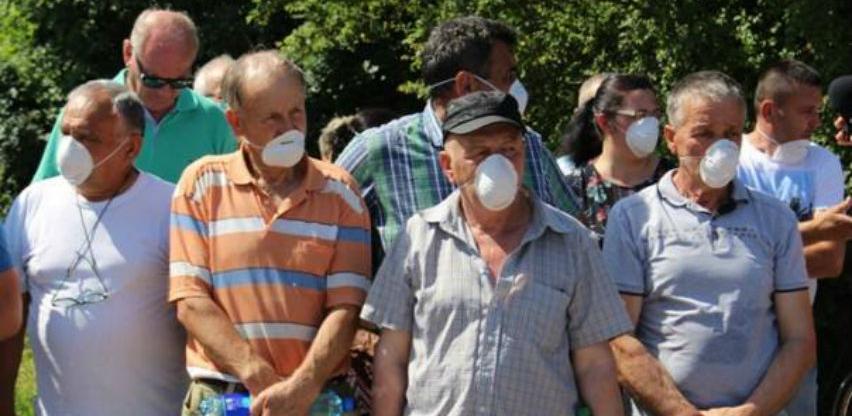 Na deponiji Uborak intervenisala i policija