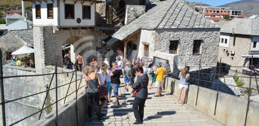 Turistički radnici u HNK oslobođeni plaćanja boravišne takse i članarine