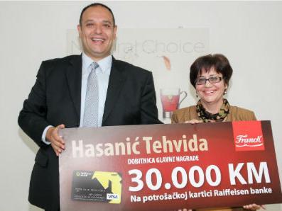 Franck uručio sretnoj dobitnici glavnu nagradu od 30.000 KM