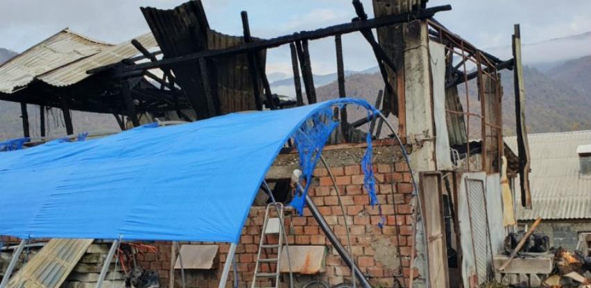 Goražde: Vatra progutala farmu sa 1.300 pilića