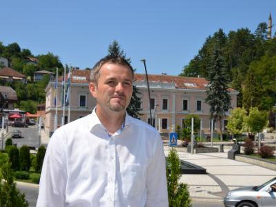 Nermin Ogrešević: Čovjek koji je probudio Cazin