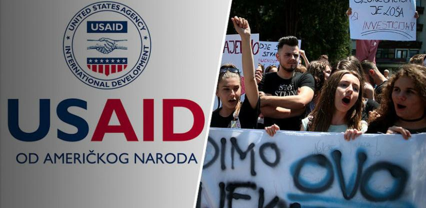 """USAID daje 8 miliona dolara """"za razvoj kritičkog mišljenja"""" u BiH"""