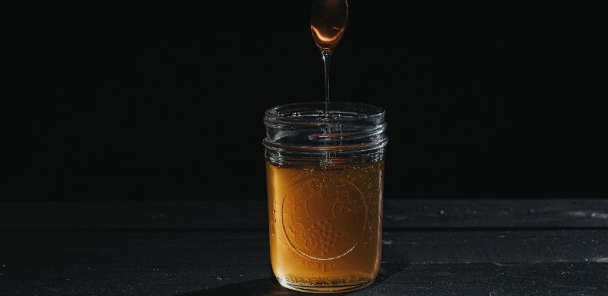 Prinosi meda najlošiji u posljednjih deset godina, zato mu raste cijena