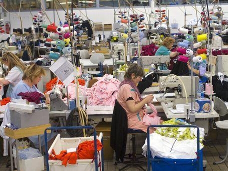 Nakon katastrofalnih poplava: U RS snažan uzlet proizvodnje odjeće i obuće