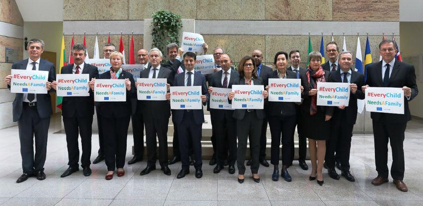 """EU u BIH podržava kampanju """"Svako dijete treba porodicu"""""""