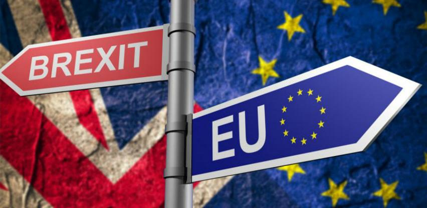 Izlazak bez dogovora mogao bi Britance koštati 13 milijardi funti godišnje