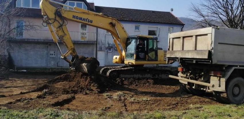 Počela izgradnja 50 parking mjesta u naselju Bregovi u Kotor Varošu