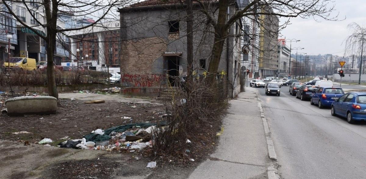 Srušena kuća na trasi Prve transverzale