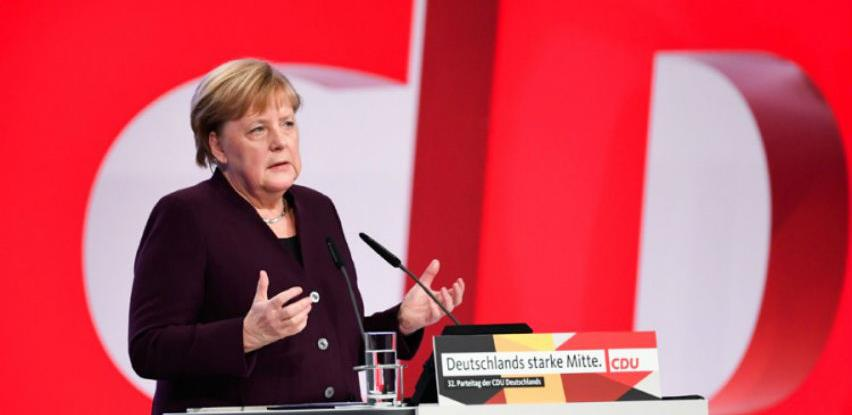 Merkel: Ne treba nikoga na startu isključiti za 5G mrežu