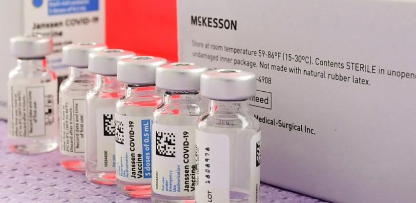 """""""Johnson & Johnson"""" testira svoju vakcinu na adolescentima, uskoro će i na trudnicama"""