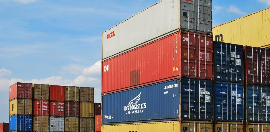 Izvoz manji za 4,6 odsto, uvoz veći za 2,9 odsto