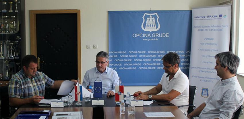 Potpisan ugovor o izvođenju infrastrukturnih radova u općini Grude