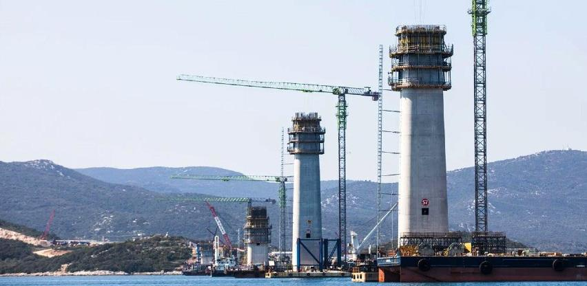 Pelješac: Zapeo stup od 250 tona na dubini od sto metara