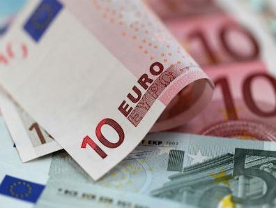 Poslovna aktivnost u eurozoni ojačala unatoč terorističkim napadima