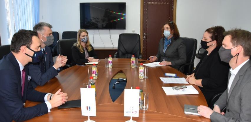 Cilj USAID-a je da BiH pomogne da funkcioniše bez strane pomoći