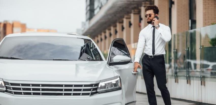 Kako se obračunava prihod za korištenje službenog automobila u privatne svrhe?