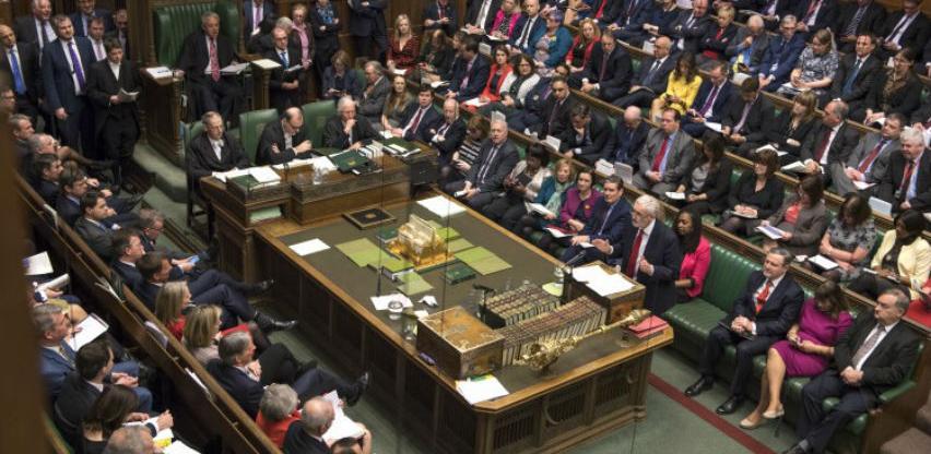 Britanski poslanici po treći put odbili sporazum premijerke May o Brexitu