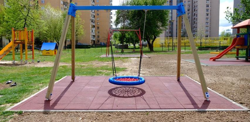 Obnovljeno dječije igralište u C fazi Alipašinog Polja (Foto)