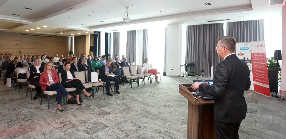 4. Mikrografija konferencija: Predstavljeni noviteti bespapirnog poslovanja