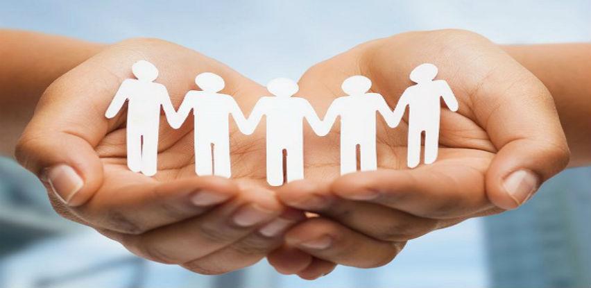 Druženje socijalne radnice sa korisnicima socijalnog servisa Centra Fenix
