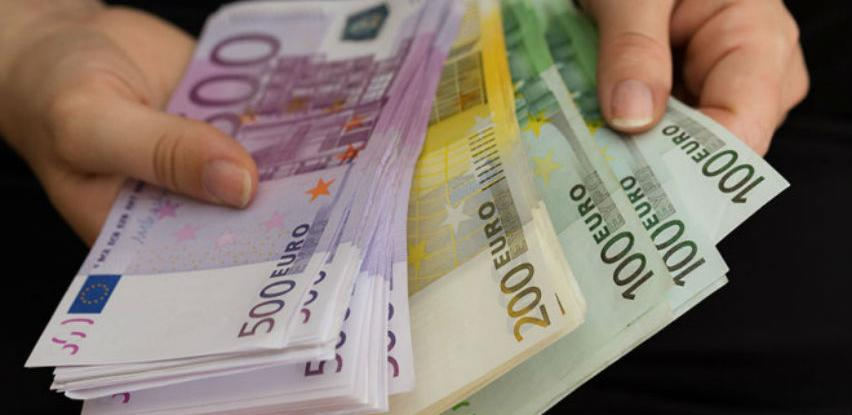 Crna Gora: Vlada predložila da od 1. jula minimalna plata bude 222 eura