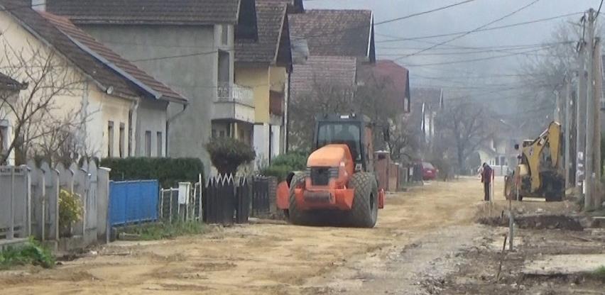 U toku pripremni radovi za asfaltiranje Prvomajske ulice