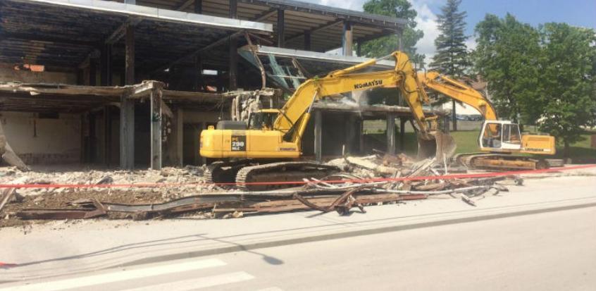 Započelo uklanjanje zgrade robne kuće u Tomislavgradu