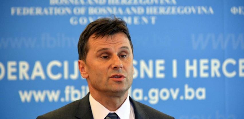 Vlada FBiH danas do 15 časova uplaćuje novac za vakcine