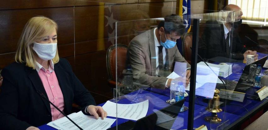 Vlada FBiH traži od Kriznog štaba da preispita neustavne mjere protiv koronavirusa