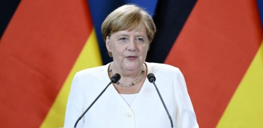 Merkel: 2021. godina donosi veliku nadu