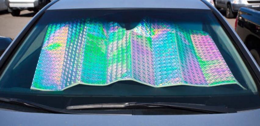 Zaštitna folija, cerada, tamna stakla: Šta najbolje štiti automobil od vrućina?