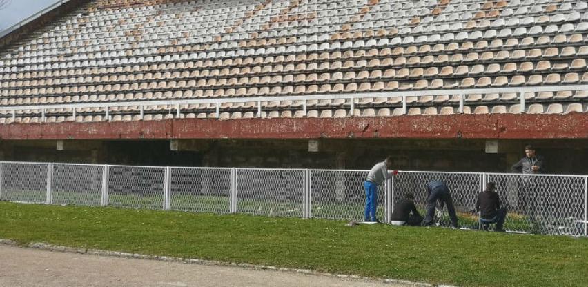 Uz podršku Vlade Velike Britanije obnavlja se Gradski stadion u Bihaću