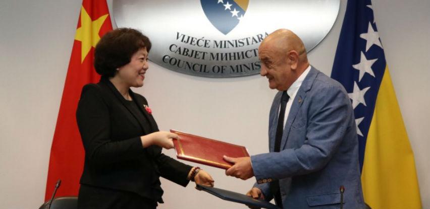 Potpisan sporazum: 7,5 miliona KM za sigurnosne provjere velikih kamiona