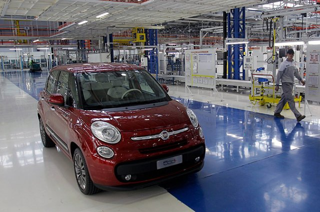 Srbija najviše izvozi automobile