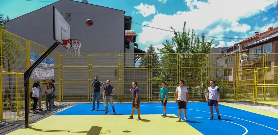 U Aerodromskom Naselju otvoreno sportsko igralište za nogomet i košarku