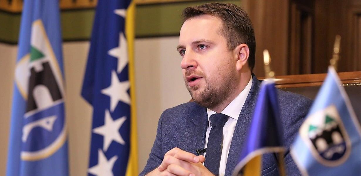 Gradonačelnik Skaka zadužuje Grad Sarajevo za čak 10 miliona KM