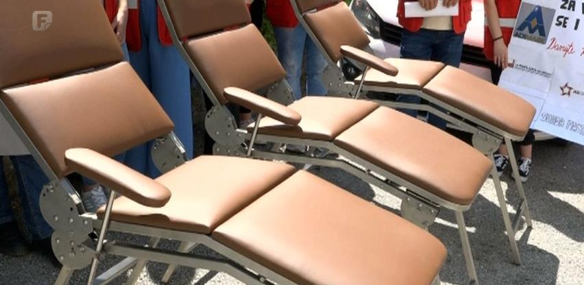 U Tešnju predstavljeni mobilni ležajevi za dobrovoljno darivanje krvi proizvedeni u BiH