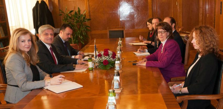 Vlada SAD-a imala veliku ulogu u procesu reformi finansijskog sektora u BiH
