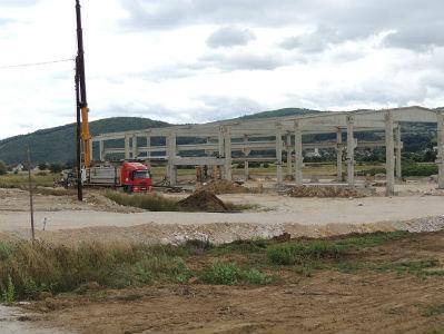 Započela izgradnja prvog proizvodno-poslovnog objekta u Neobarju