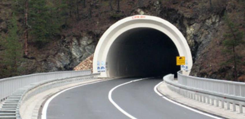 VIDEO: Velike gužve i čekanja zbog radova na tunelu Crnaja