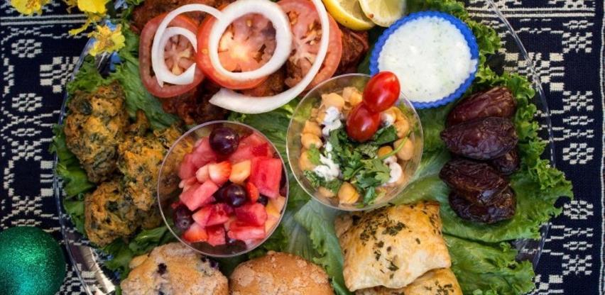 Nutricionistica INZ-a preporučuje: Kako se pravilno hraniti tokom ljeta
