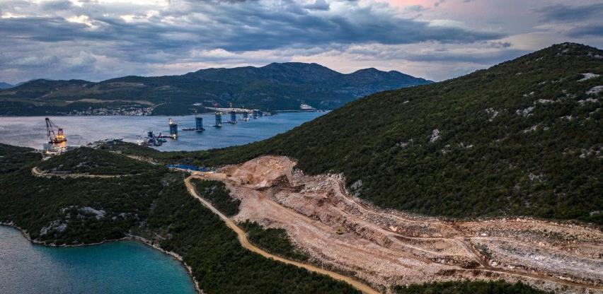 Pandemija usporila radove: Završetak Pelješkog mosta naredne godine