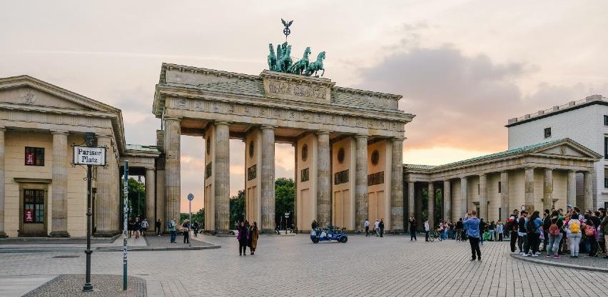 Njemačka produljuje mjere, svakom građaninu jedan besplatni test tjedno