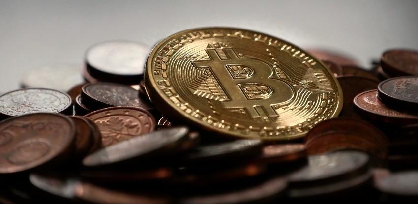 Bitcoin raste unatoč jačanju dolara