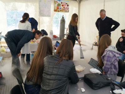 U okviru Festivala dječije umjetnosti održana radionica o suhom ledu