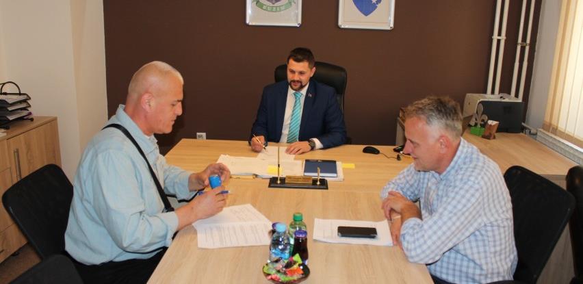 Potpisan ugovor za održavanje javne rasvjete u Bužimu