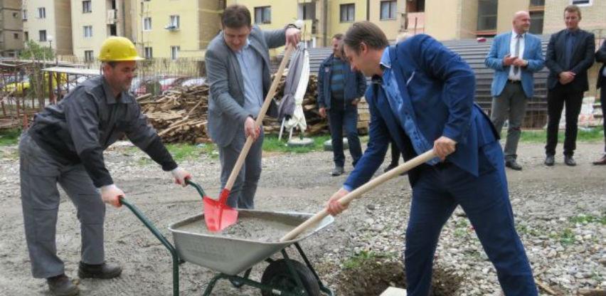 Postavljen kamen temeljac za izgradnju stambeno-poslovnog objekta u Goraždu