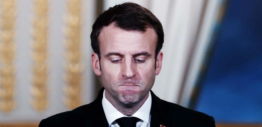 Macron apeluje na suspenziju štrajka sindikata